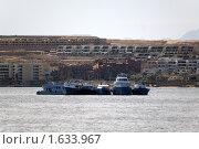 Купить «Яхты в порту Хургады», фото № 1633967, снято 30 октября 2009 г. (c) Сергей Дубров / Фотобанк Лори
