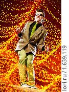 Купить «Стиляга парень», фото № 1639119, снято 29 июня 2009 г. (c) Роман Махмутов / Фотобанк Лори