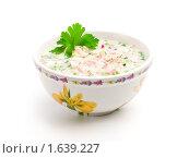 Купить «Тарелка с окрошкой», фото № 1639227, снято 17 апреля 2010 г. (c) Андрей Лавренов / Фотобанк Лори