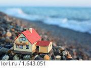 Купить «Игрушечный дом на побережье», фото № 1643051, снято 11 июля 2009 г. (c) Losevsky Pavel / Фотобанк Лори