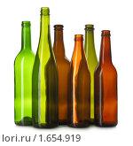 Купить «Разноцветные стеклянные бутылки», фото № 1654919, снято 19 марта 2010 г. (c) Роман Сигаев / Фотобанк Лори