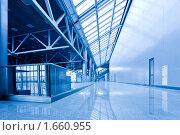 Купить «Пустой коридор», фото № 1660955, снято 15 апреля 2010 г. (c) Бабенко Денис Юрьевич / Фотобанк Лори
