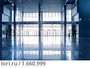 Купить «Пустой коридор», фото № 1660999, снято 15 апреля 2010 г. (c) Бабенко Денис Юрьевич / Фотобанк Лори
