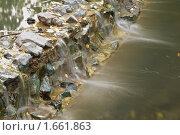 Купить «Вода течет через камни», фото № 1661863, снято 16 июля 2019 г. (c) Losevsky Pavel / Фотобанк Лори