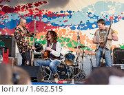 """Купить «Шоу-группа """"Бадабум""""», эксклюзивное фото № 1662515, снято 24 апреля 2010 г. (c) FotograFF / Фотобанк Лори"""
