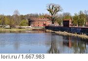 Купить «Вид на форт со стороны Верхнего озера в Калининграде», фото № 1667983, снято 24 апреля 2010 г. (c) Наталья Лабуз / Фотобанк Лори