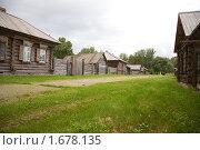Купить «Деревянные дома. Шушенское, Сибирь», фото № 1678135, снято 14 августа 2009 г. (c) hunta / Фотобанк Лори