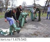 Офицер проводит занятие по изучению ОЗК (2010 год). Редакционное фото, фотограф Юрий Зуев / Фотобанк Лори