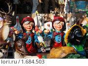 Купить «Выставка глиняных сувениров и элементов ландшафтного дизайна», фото № 1684503, снято 7 мая 2010 г. (c) Alechandro / Фотобанк Лори