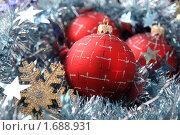 Купить «Новогодние шары», фото № 1688931, снято 2 ноября 2009 г. (c) Карелин Д.А. / Фотобанк Лори