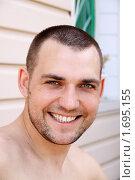 Купить «Портрет счастливого молодого человека», фото № 1695155, снято 7 мая 2010 г. (c) Андрей Аркуша / Фотобанк Лори
