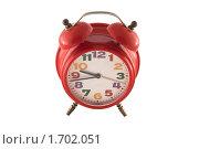 Красный будильник на белом фоне. Стоковое фото, фотограф Анна Кондрашова / Фотобанк Лори