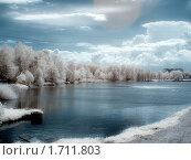 Купить «Инфракрасное фото: пейзаж с рекой», фото № 1711803, снято 19 августа 2018 г. (c) Зубко Юрий / Фотобанк Лори