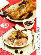 Купить «Утка с вишневым соусом», эксклюзивное фото № 1712863, снято 18 мая 2010 г. (c) Лисовская Наталья / Фотобанк Лори