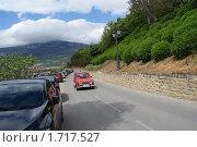 Ретроавтомобиль на дороге испанского городка Лагуардия (2010 год). Редакционное фото, фотограф Наталья Вахменина / Фотобанк Лори
