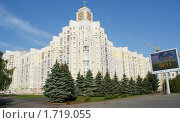 Купить «Дом с часами в Брянске», фото № 1719055, снято 22 мая 2010 г. (c) Александр Шилин / Фотобанк Лори