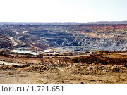 Купить «Карьер. Вид сверху», фото № 1721651, снято 31 марта 2009 г. (c) Хайрятдинов Ринат / Фотобанк Лори