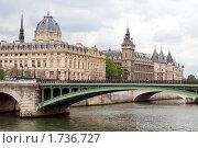 Купить «Франция. Париж», эксклюзивное фото № 1736727, снято 12 мая 2010 г. (c) Александр Алексеев / Фотобанк Лори