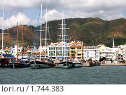 Купить «Яхты у побережья Турции, курортный город Мармарис», фото № 1744383, снято 13 сентября 2009 г. (c) ElenArt / Фотобанк Лори