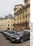 Купить «Москва. Кузнецкий мост», фото № 1769963, снято 13 июня 2010 г. (c) Илюхина Наталья / Фотобанк Лори