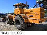 Купить «Обыкновенный трактор К-700», эксклюзивное фото № 1773491, снято 13 мая 2010 г. (c) Анатолий Матвейчук / Фотобанк Лори