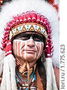 Купить «Индеец в яркой одежде», фото № 1775623, снято 13 июня 2010 г. (c) Евгений Захаров / Фотобанк Лори