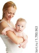Купить «Мама с младенцем», фото № 1780963, снято 14 июня 2010 г. (c) Гладских Татьяна / Фотобанк Лори