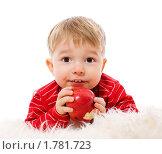 Купить «Малыш с яблоком в руках», фото № 1781723, снято 22 января 2010 г. (c) Ольга Сапегина / Фотобанк Лори