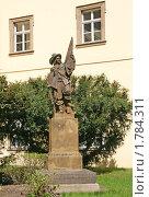 Купить «Прага. Статуя студента в  Клементинуме», фото № 1784311, снято 18 апреля 2010 г. (c) Шилер Анастасия / Фотобанк Лори