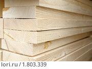 Купить «Штабель деревянных досок», фото № 1803339, снято 8 апреля 2010 г. (c) Vladimir Kolobov / Фотобанк Лори