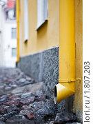 Купить «Водосточная труба», фото № 1807203, снято 4 мая 2010 г. (c) Константин Ёлшин / Фотобанк Лори