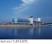 """Гостиница """"Маяк"""" в синеве (2010 год). Редакционное фото, фотограф Алексей Мартов / Фотобанк Лори"""