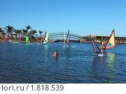 Купить «Серфингисты на Красном море», фото № 1818539, снято 3 мая 2010 г. (c) Бельская (Ненько) Анастасия / Фотобанк Лори