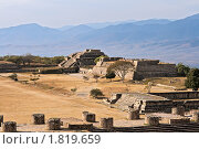 Купить «Древние руины на плато Монте-Альбан в Мексике», фото № 1819659, снято 9 декабря 2008 г. (c) Дмитрий Рухленко / Фотобанк Лори