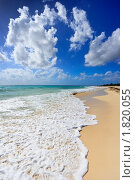 Купить «Песчаный пляж и волны», фото № 1820055, снято 18 декабря 2008 г. (c) Дмитрий Рухленко / Фотобанк Лори