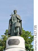Купить «Памятник княгине Ольге», фото № 1827735, снято 3 июля 2010 г. (c) Виктор Карасев / Фотобанк Лори