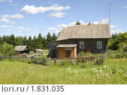 Купить «Деревянный дом», фото № 1831035, снято 28 июня 2010 г. (c) Марина Коробанова / Фотобанк Лори