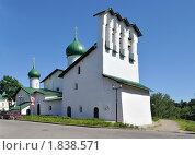 Купить «Церковь Богоявления в Бродах с Запсковья», фото № 1838571, снято 4 июля 2010 г. (c) Виктор Карасев / Фотобанк Лори