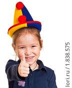 Маленькая девочка в клоунской шляпе. Стоковое фото, фотограф Игорь Губарев / Фотобанк Лори