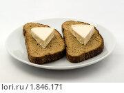 Купить «Бутерброд с плавленым сыром», фото № 1846171, снято 18 июля 2010 г. (c) Владимир Белобаба / Фотобанк Лори