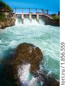 Купить «Чемальская ГЭС», фото № 1856559, снято 18 июня 2010 г. (c) hunta / Фотобанк Лори