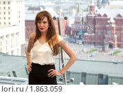Купить «Анджелина Джоли позирует фотографам на фоне Кремля», фото № 1863059, снято 25 июля 2010 г. (c) Виктор / Фотобанк Лори