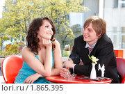 Купить «Молодая пара в ресторане», фото № 1865395, снято 25 апреля 2010 г. (c) Gennadiy Poznyakov / Фотобанк Лори