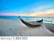 Рыбацкая лодка на берегу моря. Вьетнам. Стоковое фото, фотограф Ольга Хорошунова / Фотобанк Лори