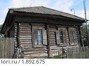 Купить «Потемневший от времени дом в деревне Залино», фото № 1892675, снято 24 июля 2010 г. (c) Анатолий Матвейчук / Фотобанк Лори