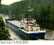Купить «Судно на Сайменском канале после шлюза», фото № 1912851, снято 14 августа 2010 г. (c) Маргарита Герм / Фотобанк Лори