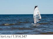 Купить «Виндсерфинг на Ладожском озере», эксклюзивное фото № 1914347, снято 16 августа 2010 г. (c) Александр Щепин / Фотобанк Лори