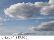 Облака на синем небе. Стоковое фото, фотограф Анастасия Захаренко / Фотобанк Лори