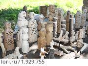 Купить «Старые древнерусские игрушки», фото № 1929755, снято 13 июля 2010 г. (c) Анастасия Семенова / Фотобанк Лори
