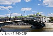 Москва, Лужков мост (2010 год). Стоковое фото, фотограф ИВА Афонская / Фотобанк Лори